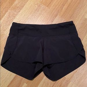 Lululemon Speed Up Short 2.5 Inch - Black - Size 2